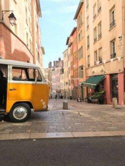 visite de lyon en van volkswagen reservation en ligne