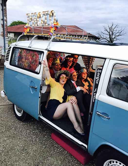 selfie-bus-photobooth-reservation-van-combi-mariage-evjf-lyon-rhone-alpes